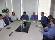 Momento da assinatura do Convênio de Cooperação entre ACCIE e Sicredi